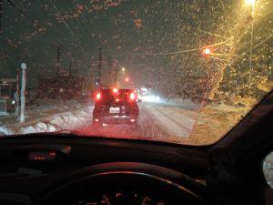 国道も雪が積もる